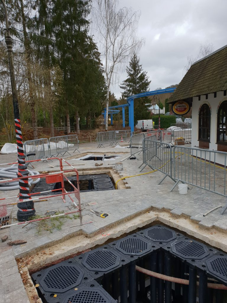 3 fosses TreeParker d'implantation d'arbres à Nigloland - Projet Jardiprotec